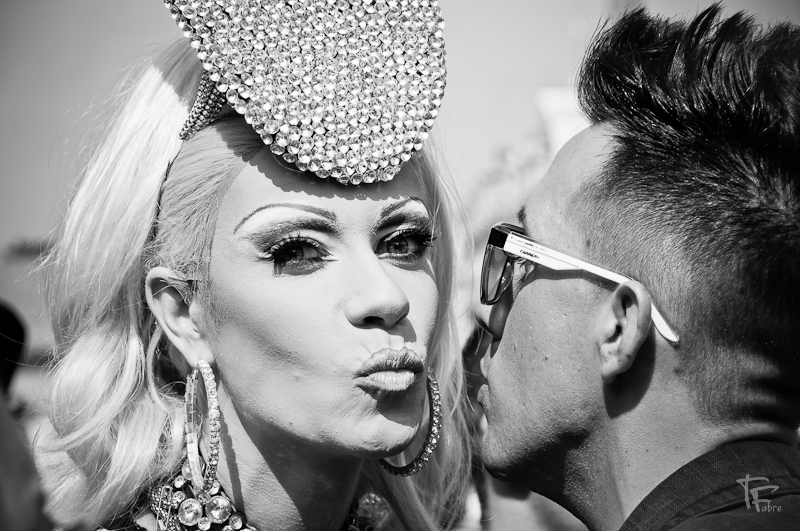 Photo: Smooooochikaa  Special kiss for +Dani Andersen here your are my dear ;-)  #portraittuesday  by +Laura Balc  #streetphotography   #streetlife