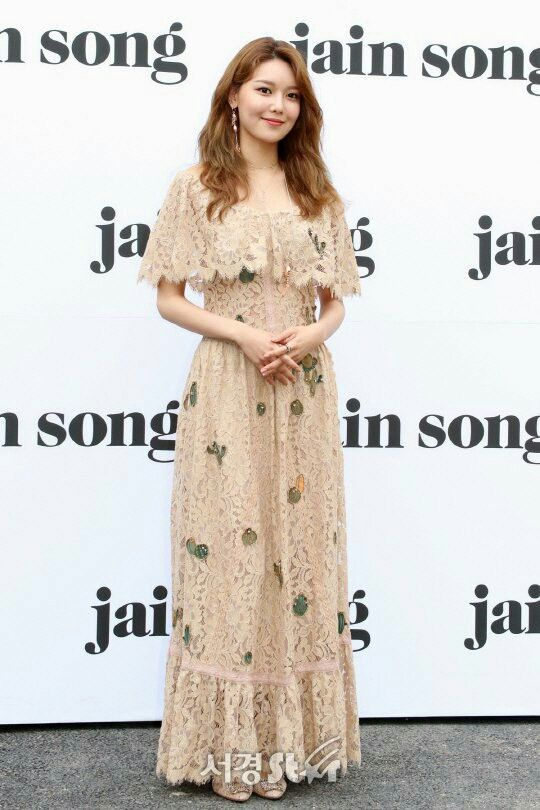 sooyoung gown 31