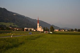 Photo: Dziś kontynuuję jazdę przez Tyrol.  Na zdjęciu kościół św. Gawła w Weer.