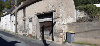 parking à Châteauneuf-sur-Cher (18)