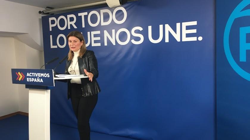 Rosalía Espinosa, parlamentaria del PP, esta mañana.