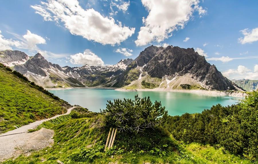 Its a wonderful world by Linda Brueckmann - Landscapes Mountains & Hills