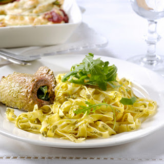 Kalfsvlees Pestorolletjes Met Gegratineerde Groenten En Tagliatelle