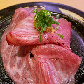 【絶品グルメ】スシローの和牛寿司が贅沢すぎる件 / 和牛さしとろ