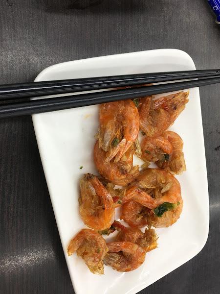 小菜-蝦 120 小菜-小黃瓜 上海炸排骨 70  炸排骨排骨蠻多汁的 是沒裹粉的排骨 還不錯