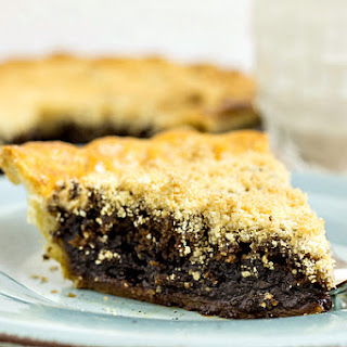 Classic Shoo Fly Pie | #tbtfood