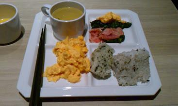 Photo: 神田のニューセントラルホテルの朝食