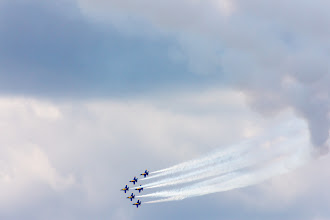 Photo: The Blue Angels fly over the 2012 annual July 4th turnaround cruise of the USS Constitution, Boston, Massachusetts, USA