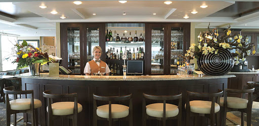amalegro-bar.jpg - Enjoy a cocktail and meet interesting new people on AmaLegro.