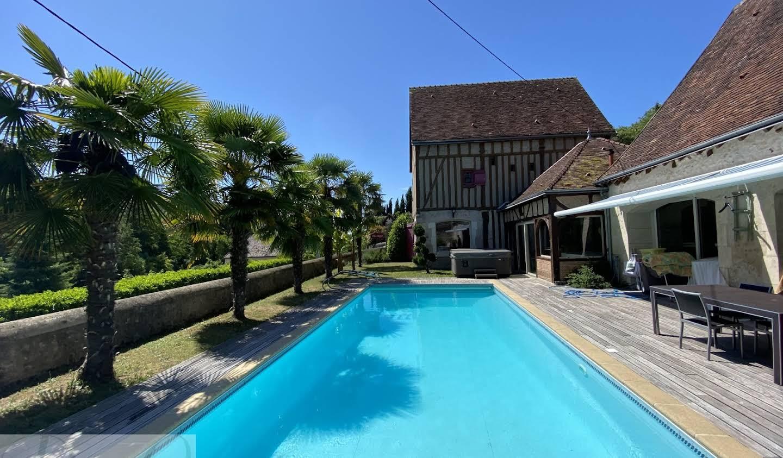 Propriété avec piscine Nazelles-Négron