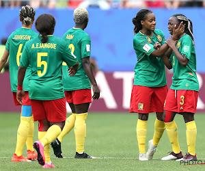 Schoppen, duwen en janken: Kameroen is veel te zwak voor Engeland in absolute aanfluiting