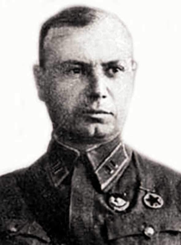 Прокофьев Ю.М. - командир 352 сд