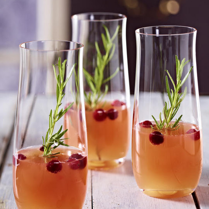 Sparkling Peach and Cranberry Cocktail Recipe