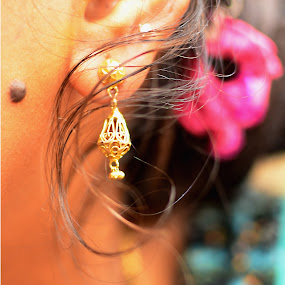 Ear Ring by Vinay Ad - People Body Parts ( sister )