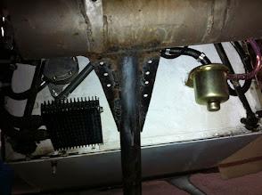 Photo: aprés une casse de pot lors d'un vol, modif et renfort de celui-ci