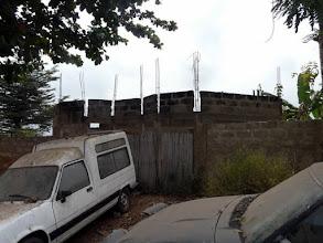 Photo: L'école de couture se construit, nous l'inaugurerons en février 2012. Juste en face...