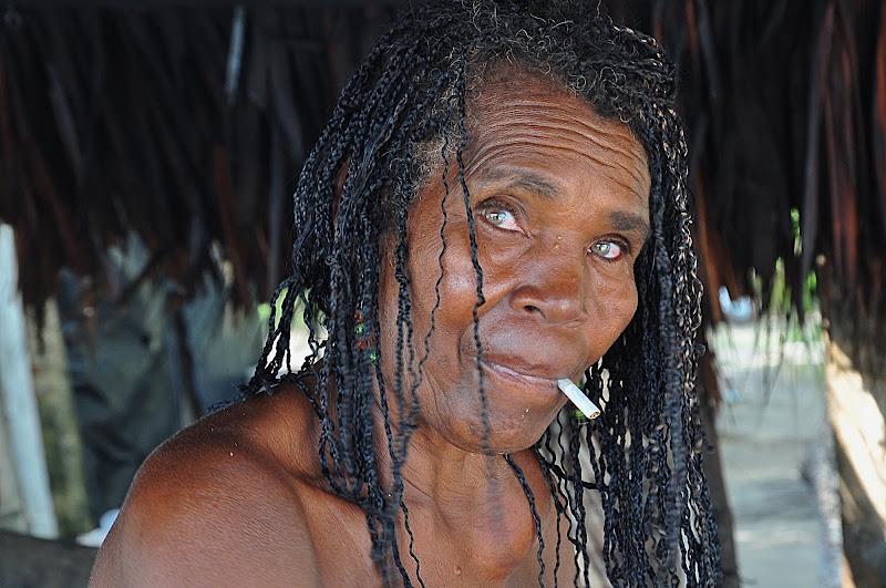 """La mujer de """"El Tigre"""". Isla de Mucura, Colombia. di Cristhian Raimondi"""