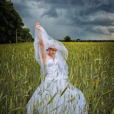 Wedding photographer Oleg Koval (KovalOstrog). Photo of 06.08.2013