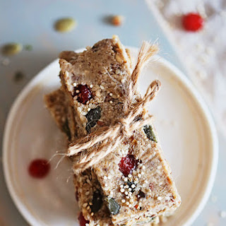 Raw Protein-Packed Quinoa Energy Bars