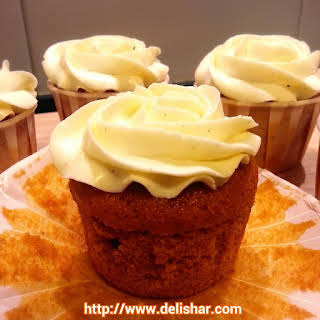 Thai Iced Tea Cupcakes with Condensed Milk Vanilla Bean SMBC.