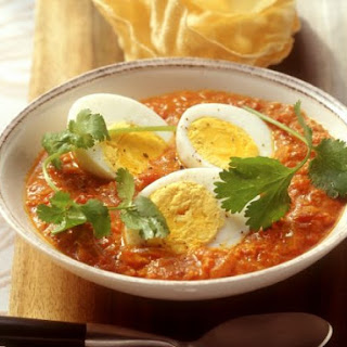 Egg in Tomato Curry Sauce.