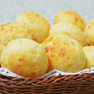 (Brazilian cheese buns).