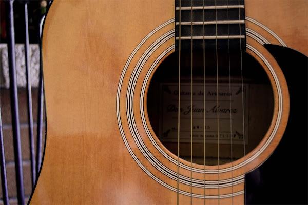 particolare chitarra di aeglos