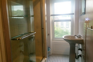 brooklyn nyc vacation rentals washroom