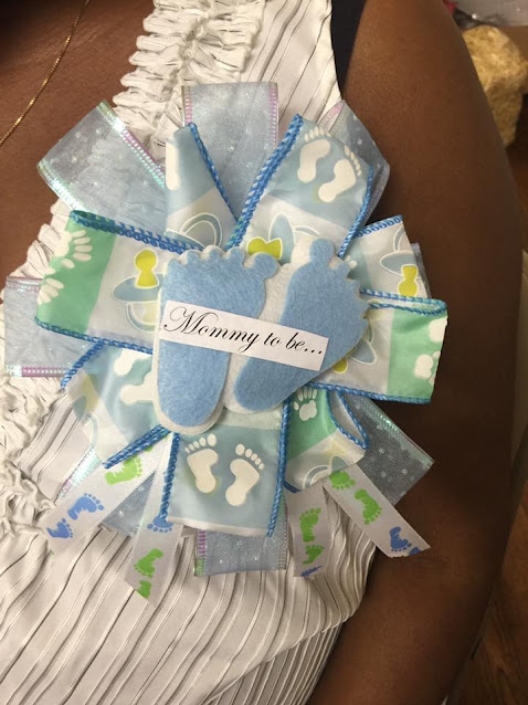 baby shower mom to be corsage