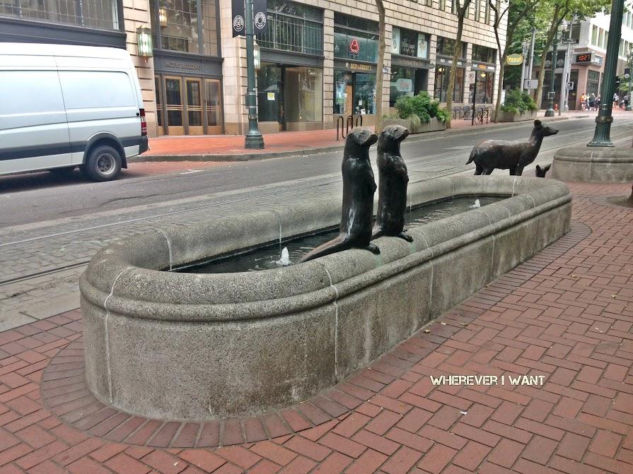 Portland Bucket List | Portland Oregon | Places to go in Portland | Things to Do in Portland | Things to Eat in Portland | Portland Saturday Market | Keep Portland Weird | Voodoo Doughnut