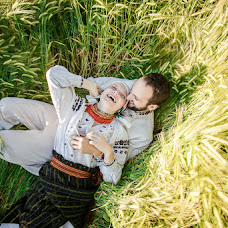 Wedding photographer Maksim Grebilyuk (bezmezh). Photo of 20.08.2015