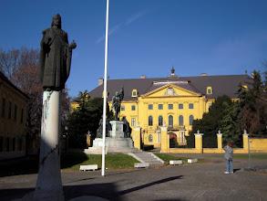Photo: Számtalan köztéri szobor látható Kalocsán