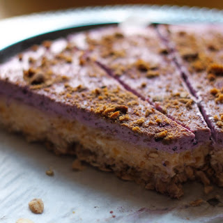 SUGAR-FREE FLOURLESS PUMPKIN/BLUEBERRY COTTAGE CHEESE CAKE WITH OAT CRUST.