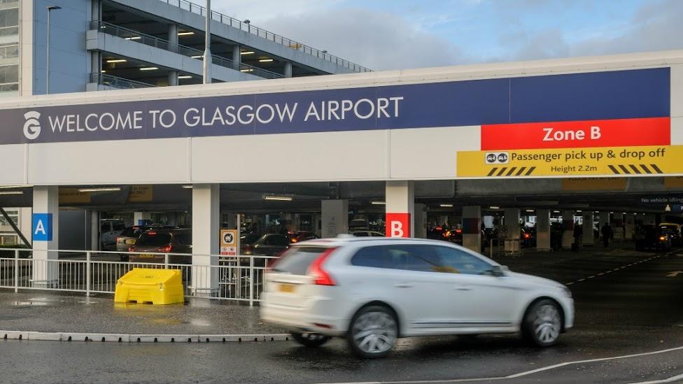 Jak dojechać z lotniska do centrum Glasgow, lotnisko Glasgow, samochód