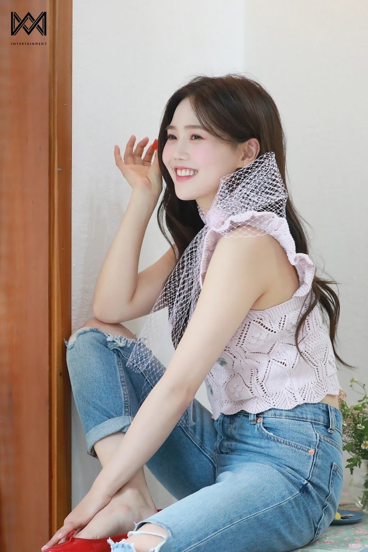 210514-WM-Naver-Post-OH-MY-GIRL-s-8th-Mini-Album-Dear-OHMYGIRL-Jacket-Shoot-documents-1(2)