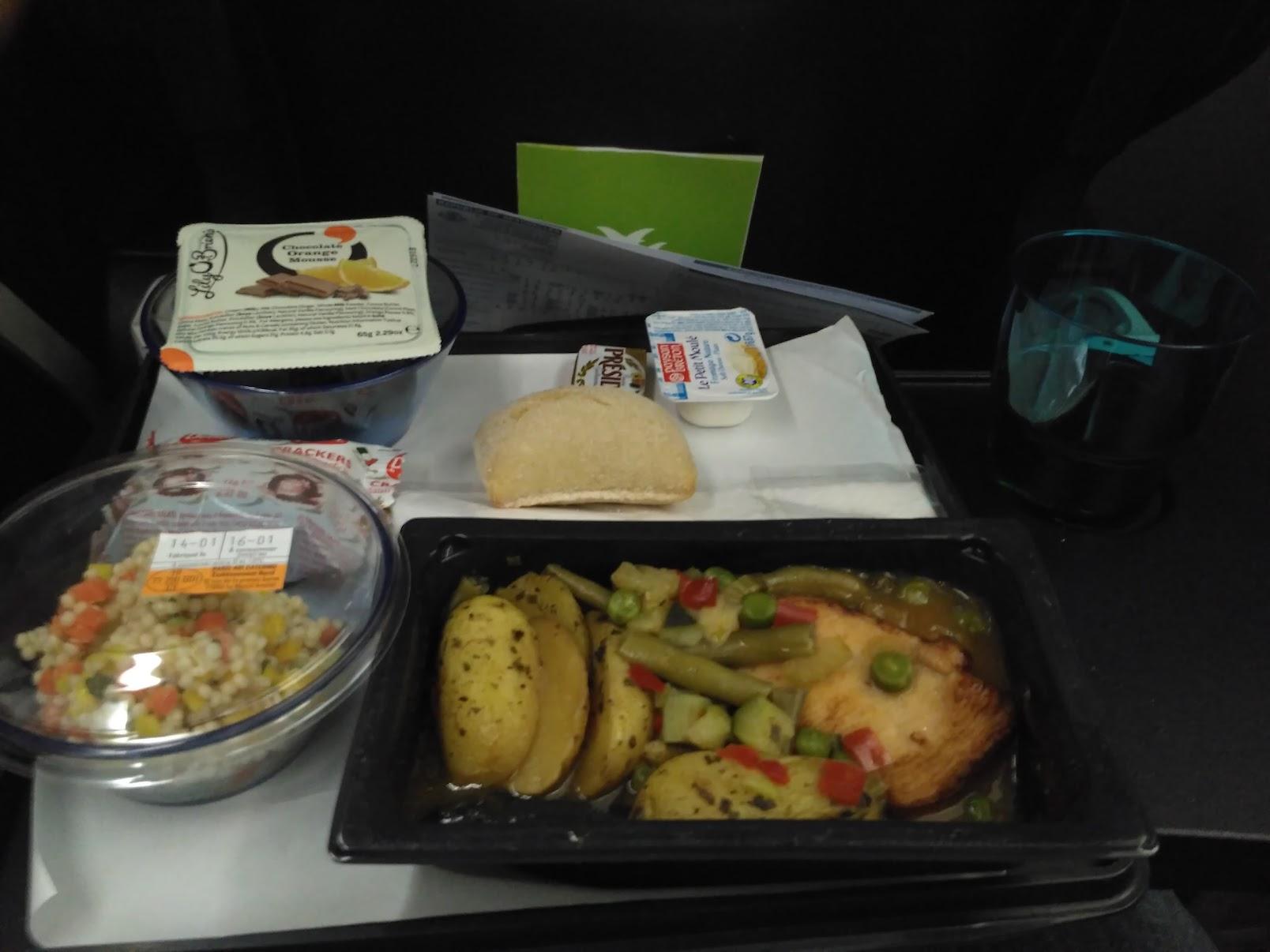 Jedlo v lietadle Air Seychelles