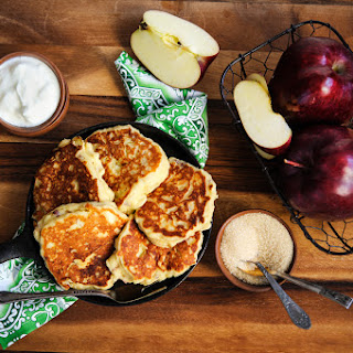 Ricotta-Apple pancakes.