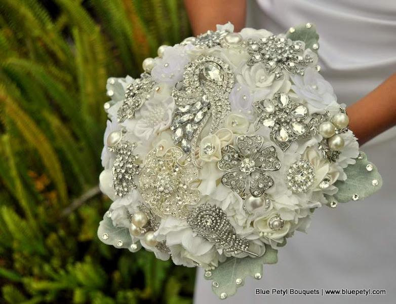 Photo: Couture Flower Brooch Bouquet www.bluepetyl.com