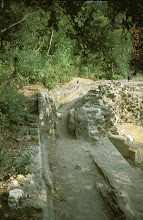 Photo: Continuation of the trace of the Roman aquaduct of Nimes