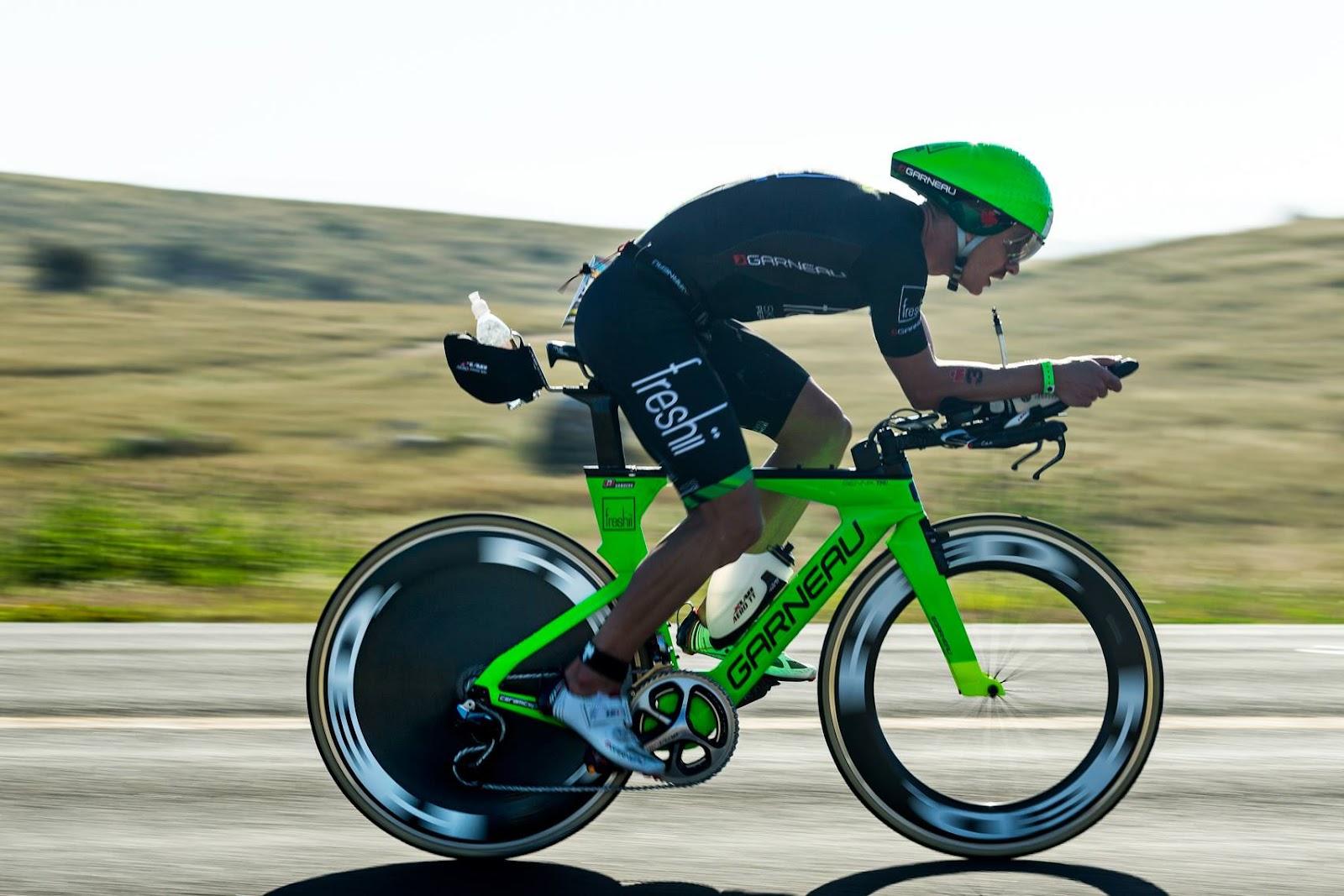 Lionel Sanders rowerr.jpg
