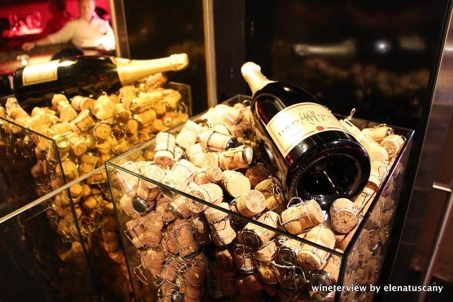 bubbles & wines, wine bar, wine bar amsterdam, wine amsterdam, bar vino amsterdam, vino amsterdam, champagne, cork, champagne cork