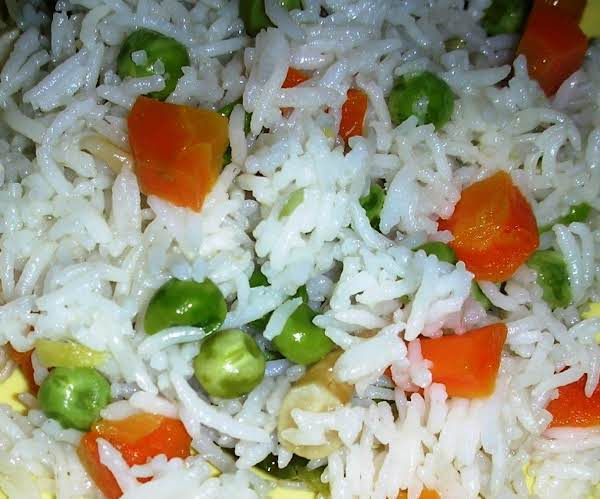 Rice Pilaf With Carrot And Green Peas Recipe