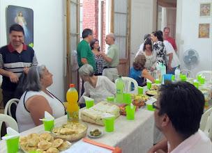 Photo: OM OM OM. Nos vamos reuniendo alrededor de la mesa familiar, para celebrar el haber compartido juntos este SAIgrado año 2012 ¡Pasen que hay lugar para TODOS en la Casa de Swami!