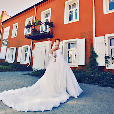 Wedding photographer Albina Kobeleva (AlbinaGalina). Photo of 15.07.2016