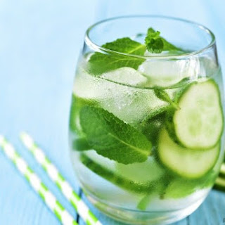 Skinny Cucumber Mojito