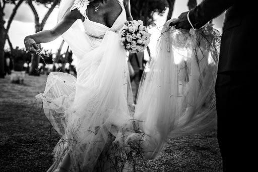 Wedding photographer Leonardo Scarriglia (leonardoscarrig). Photo of 24.12.2017