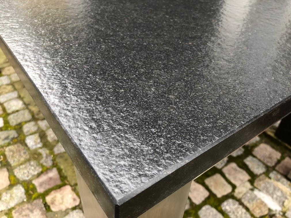 Granit nero assoluto patiniert wohn design for Terrassentisch granit