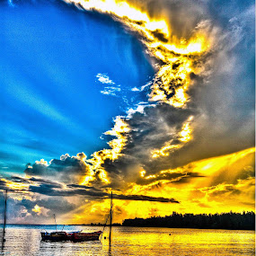 the golden sky by Chairelgibrant Othman - Novices Only Landscapes