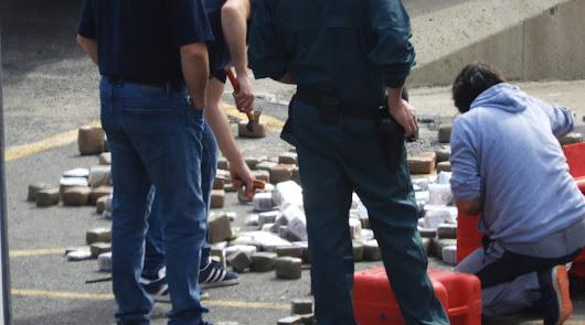 La Guardia Civil decomisa 900 kilos de hachís en una barca en San José