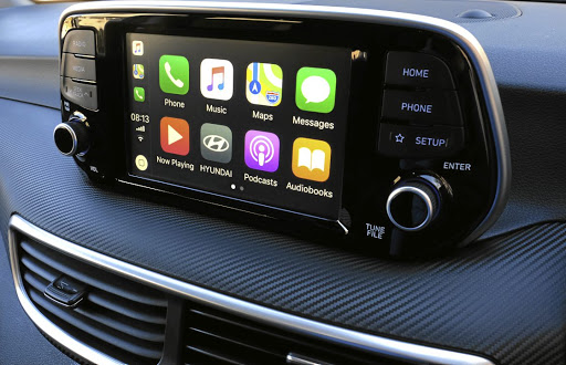 The Tucson now has a new touchscreen infotainment screen with Apple CarPlay.